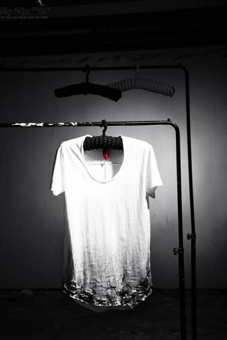 ByTheR Custom Under Paint Loose Neck Line T-shirt