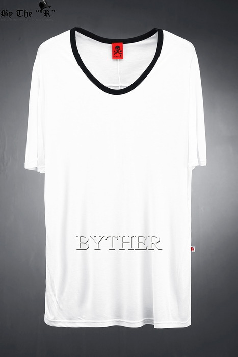ByTheR Coloring U-Neck T-shirt