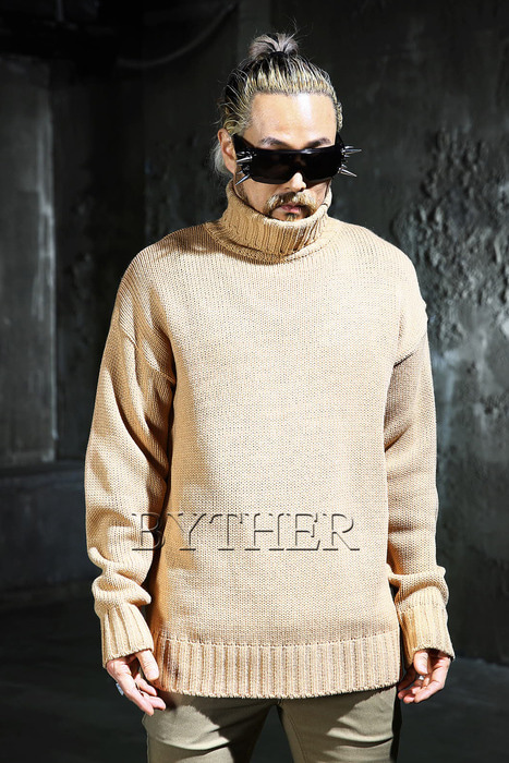 Loose-fit Turtleneck Knit Tee