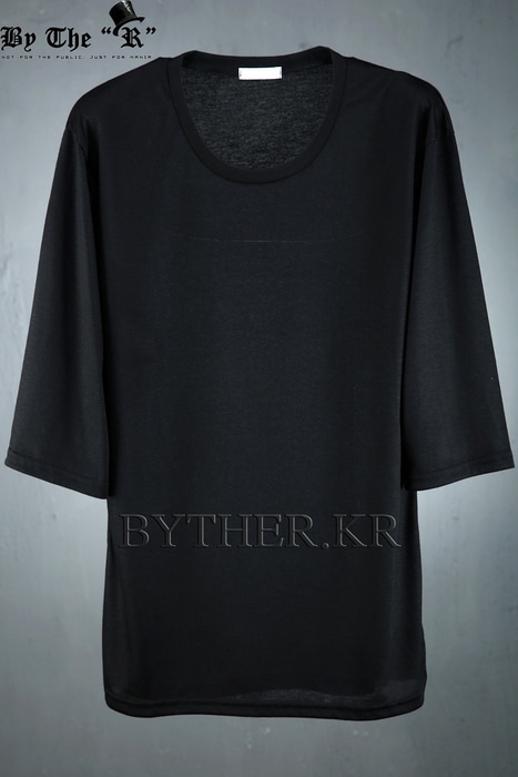 Monotone Color 3/4 Length Loose Fit T-shirts