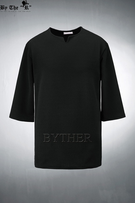 Embossed Slit-neck 3/4 Sleeve T-shirts