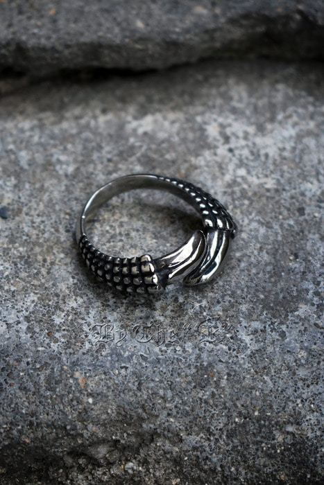 Dragon Talon Metal Ring