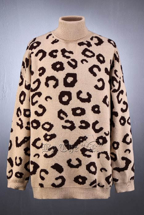 Intarsia Leopard Turtle Neck Knit Sweater