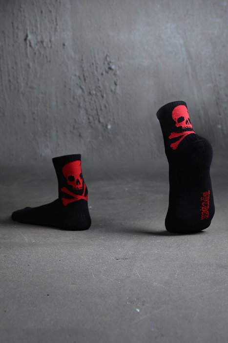 ByTheR Back Skull Logo Socks Red