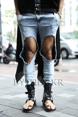 Bright Color Snow Wash Hardly Destroyed Ripped Denim Jean