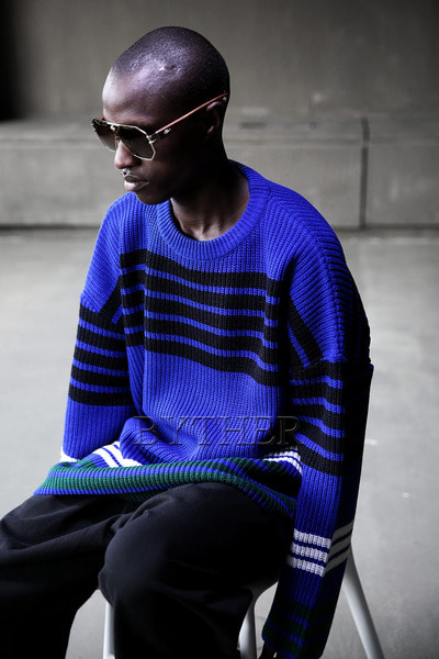 Line Coloring Knit Sweatshirts