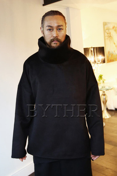 ByTheR Boxy TurtleNeck T-Shirts