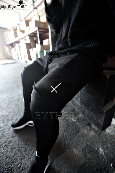 ByTheR Cross-cutting Short Pants