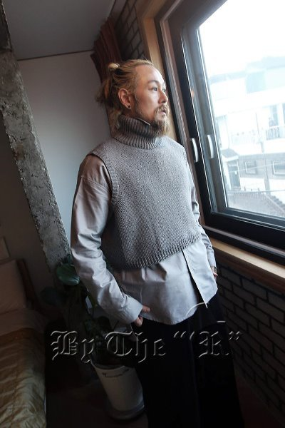 Turtle neck Boxy Cropped Knit Vest