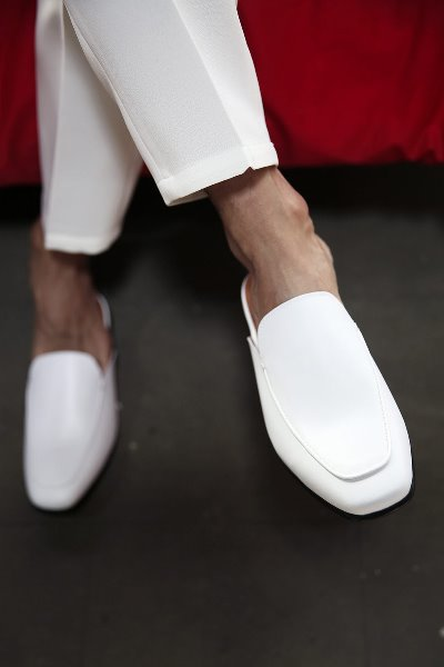 Monotone Simple Leather Loafer Shoes