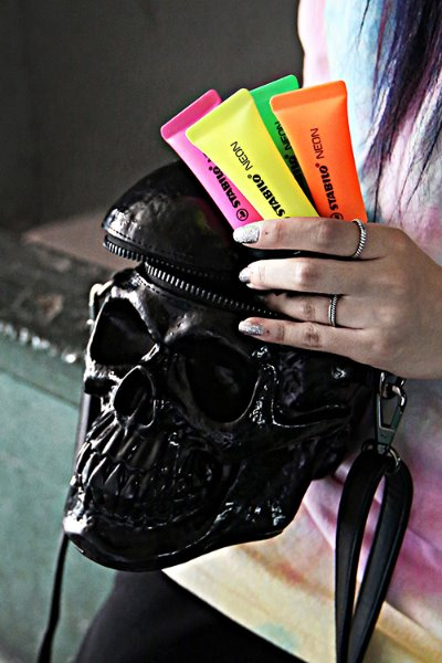 Enamel Realistic Skull Cross Bag