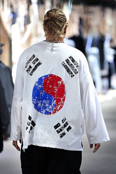 Vintage Flag Oversized Loose-Fit Long Sleeve Shirt