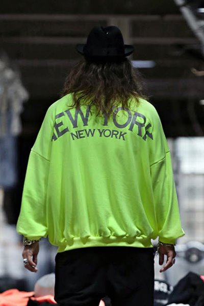 New York Scotch Reflective Loose-Fit Sweatshirt
