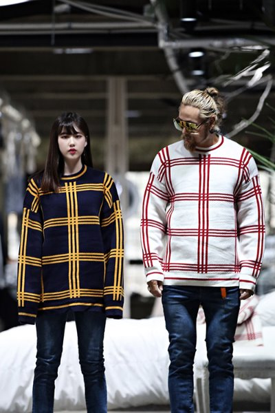 Triple Line Check Jacquard Knit Tee