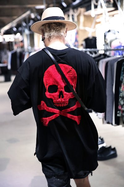 ByTheR Calf Skin Skull Patch Relaxed Fit Short Sleeve Tee