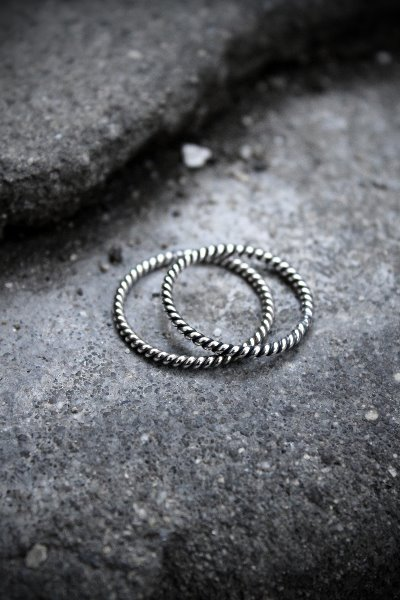 ByTheR Twist Pattern Thin Silver Ring