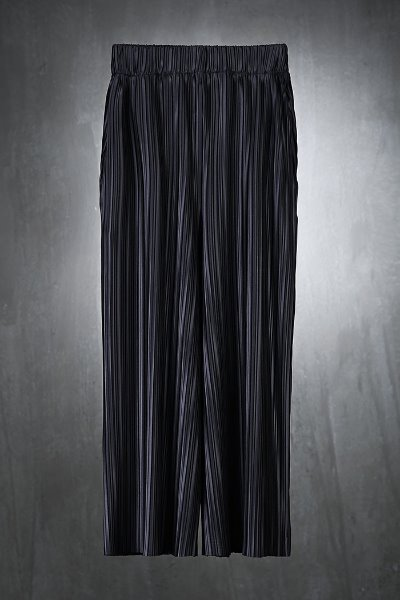 Wide fit Trousers with Mukha soft pleated fabrics