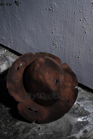 ByTheR Custom Burning Grunge Brown Fedora